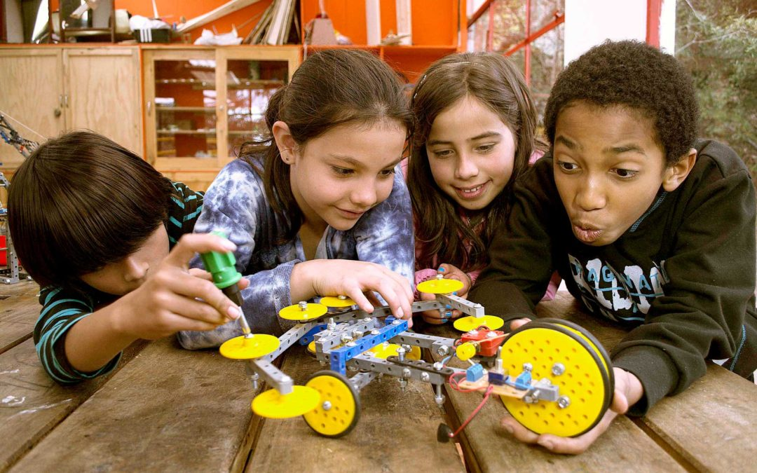 Robótica educativa. Para principiantes 3 robots con el kit ATA EPE